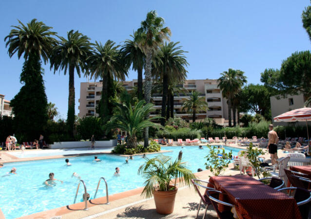 R sidence h teli re golfe juan location juan les pins for Location residence hoteliere